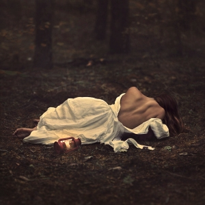 Stunning photography by www.darkbeautymag.com