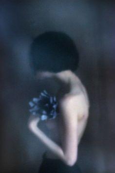 The Mysterious Portraits of Hellen van Meene | Dutch, Photographers and 1990s